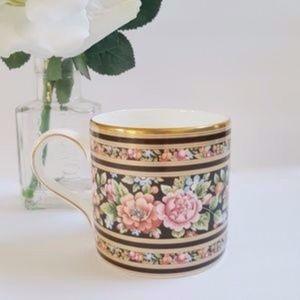 HP!💖Vintage Wedgwood Made In England Floral Mug